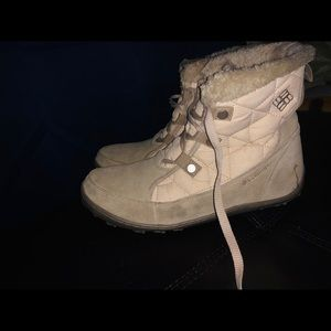 Columbia winter boots size 9